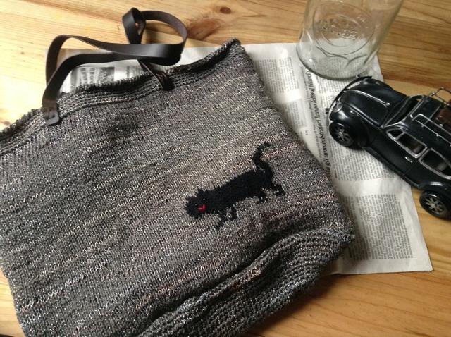 ねこちゃんの編み込みバッグ