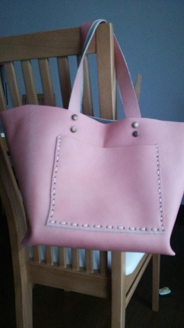 牛革ピンクまちたっぷりトートバッグ