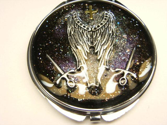翼と剣 コンパクトミラー(丸型シルバー)