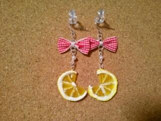 スライスレモンのピアス