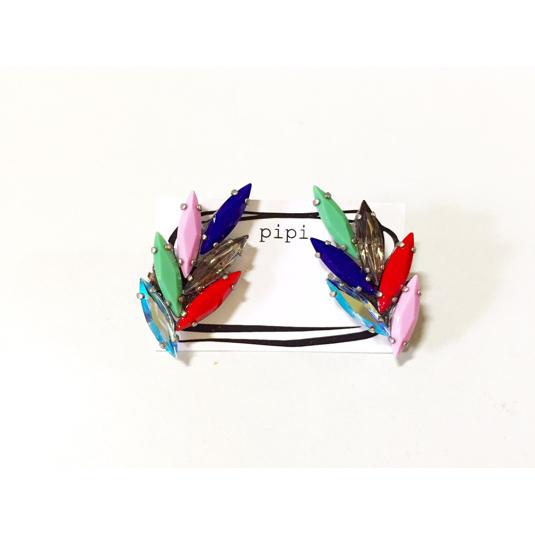 こちらは残り1つです?*。  colorful vintage SWAROVSKI イヤリング