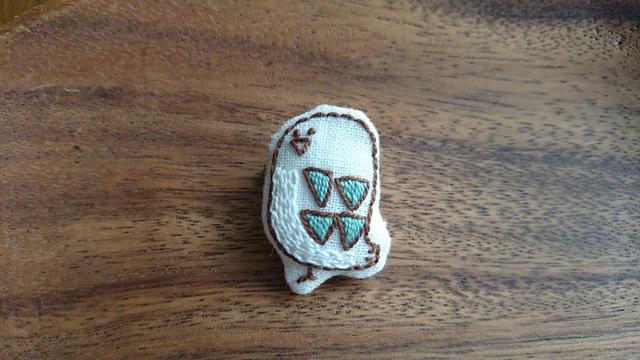 とり刺繍ブローチ