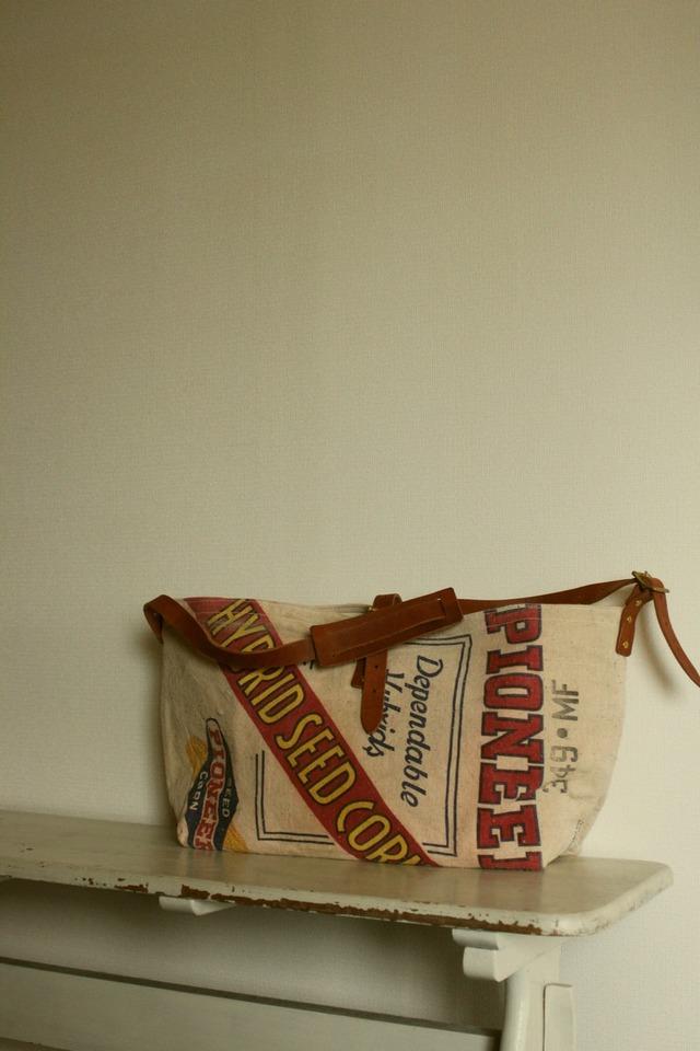 PEDDLER シードサック(種袋)のリメイクショルダーバッグ USAコーン