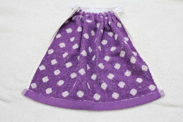 タオルエプロン 紫のドット