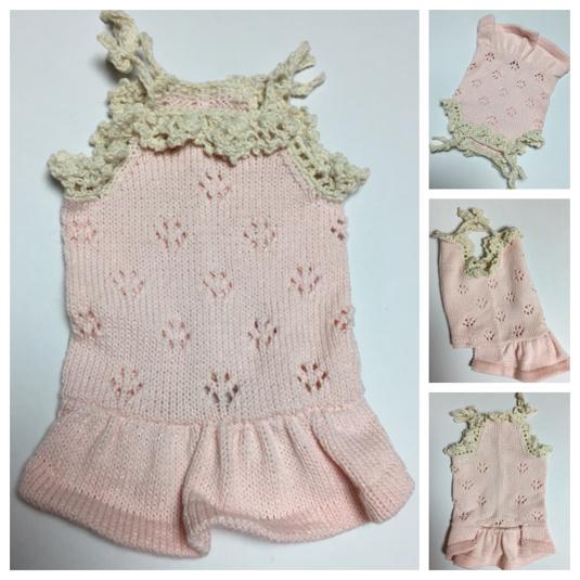 #手編み お花透かし模様のワンピース(ピンクラメ入綿糸)