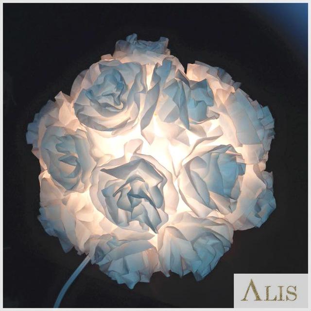 ホワイトローズのライト