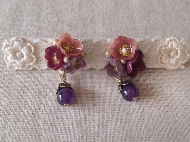 染めた小花を樹脂加工したピアス(マロンピンク×紅紫×渋紫)