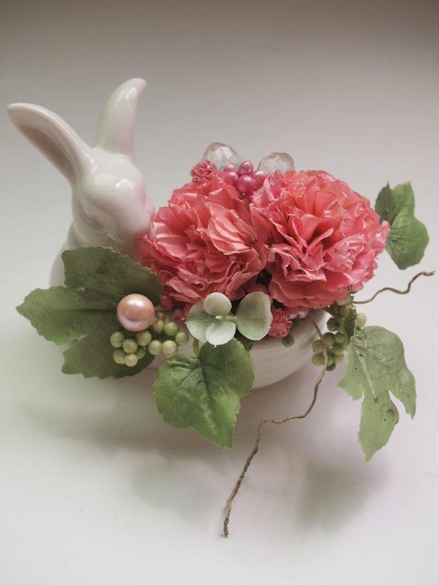 sawa-ya ~ 花を抱えた白ウサギ