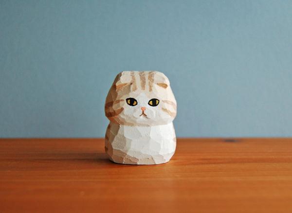 木彫り人形 スコティッシュ 薄ベージュ×白  [MWF-101]