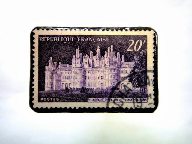 フランス 「城」切手ブローチ 067