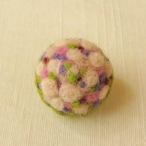 フェルト刺繍のブローチ ピンクのブーケ(FAB-002-B)