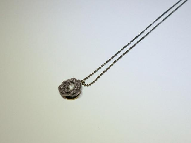 小さなお花のネックレス