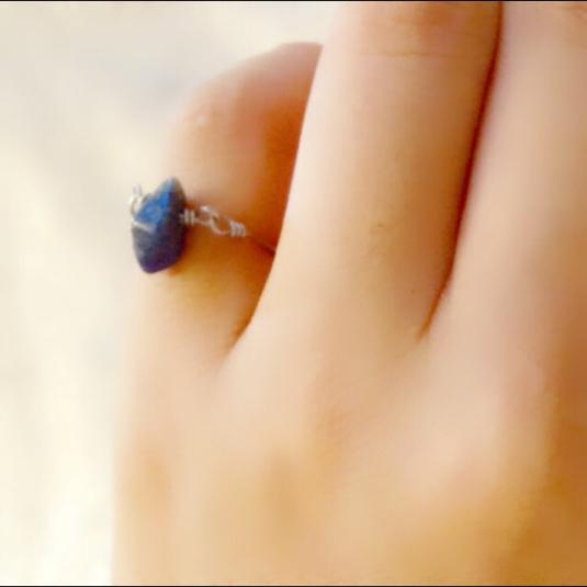 【セミオーダー】天然石のワイヤーリング ラピスラズリ