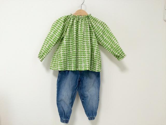 葉っぱ柄グリーンスモック長袖 サイズ90