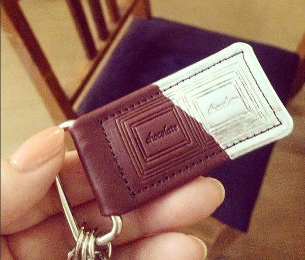 革のチョコレート・キーホルダー(スイート・銀)