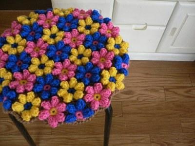 手編みの円座 お花モチーフ ビビッドカラー