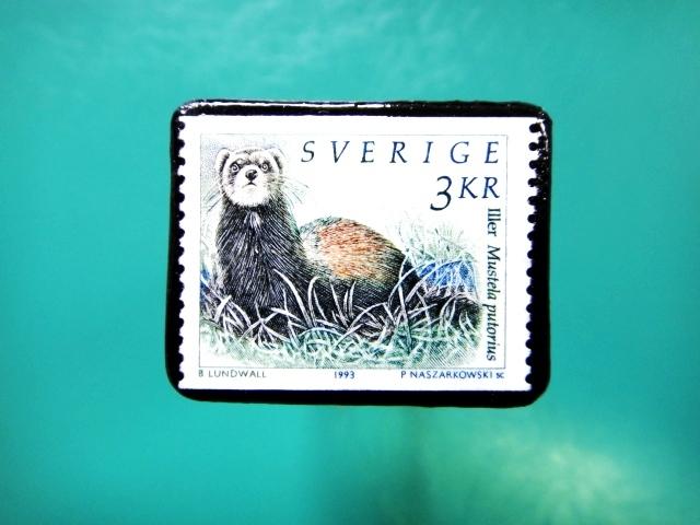 スェーデン「オコジョ」切手ブローチ 081