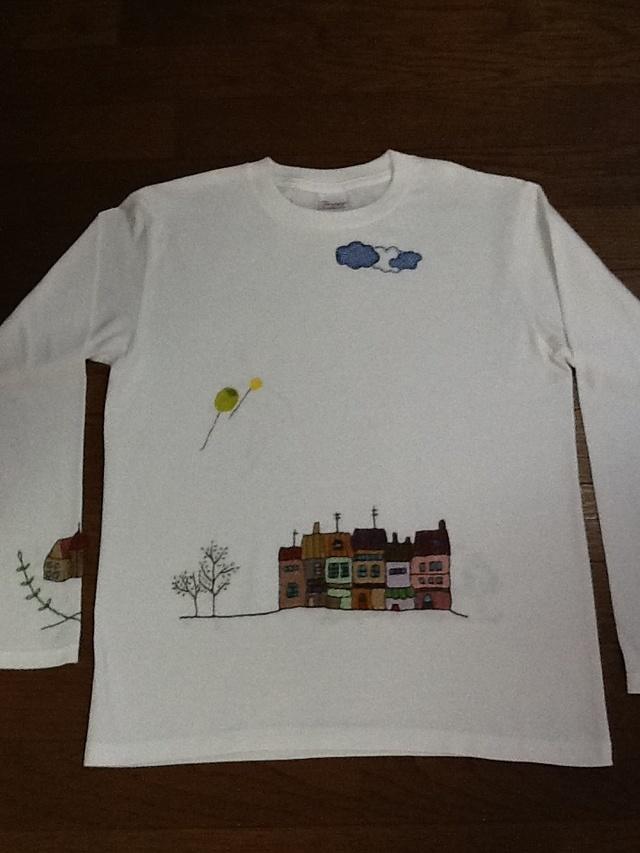 手刺繍のロングTシャツ女性用L