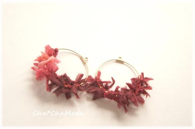 秋の真紅カラーの 毛糸フープ イヤリング or ピアス