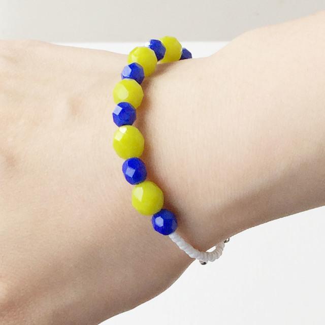 Czech beads bracelet チェコビーズのライムグリーンブレス