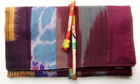 着物リメイク 銘仙の着物で作った和風財布 555