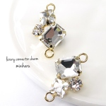300円均一✨2個入(B type)luxury glass stone connector charm