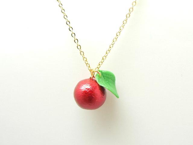 真っ赤なりんごの華奢な1粒ネックレス◎アップルポムネックレス