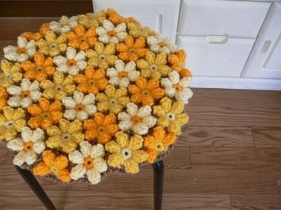 手編みの円座 お花モチーフ オレンジ