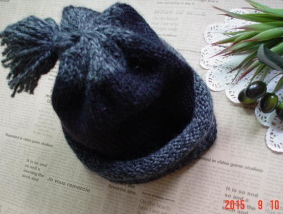 ☆彡揺れるタッセル付knit帽子(ブラック&ツイード)