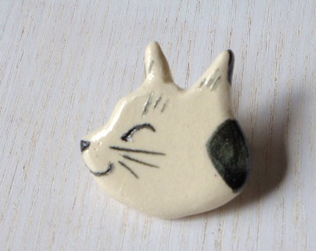 ネコネコ陶ブローチ-たま