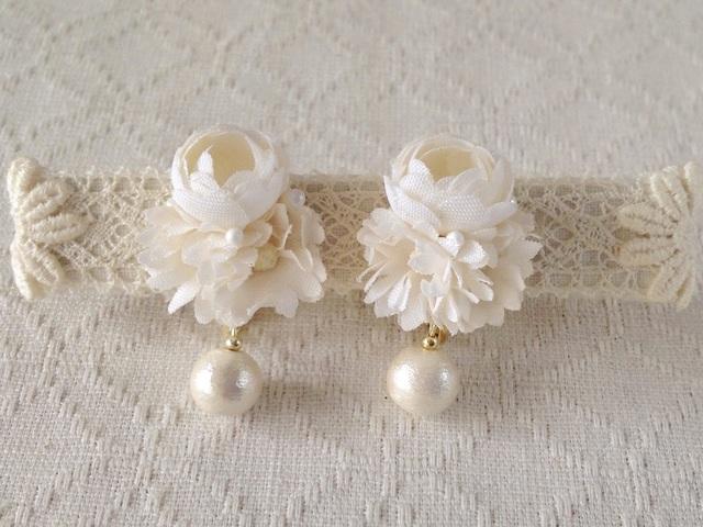 染め花とコットンパールのイヤリング(オフホワイト)