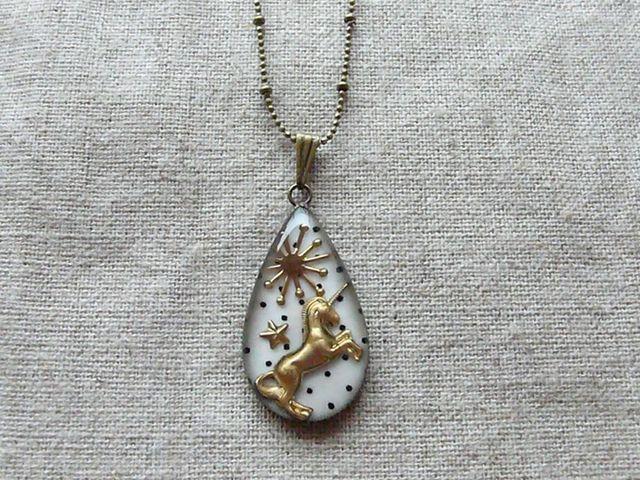 ユニコーン pendant (白ドット)/受注制作