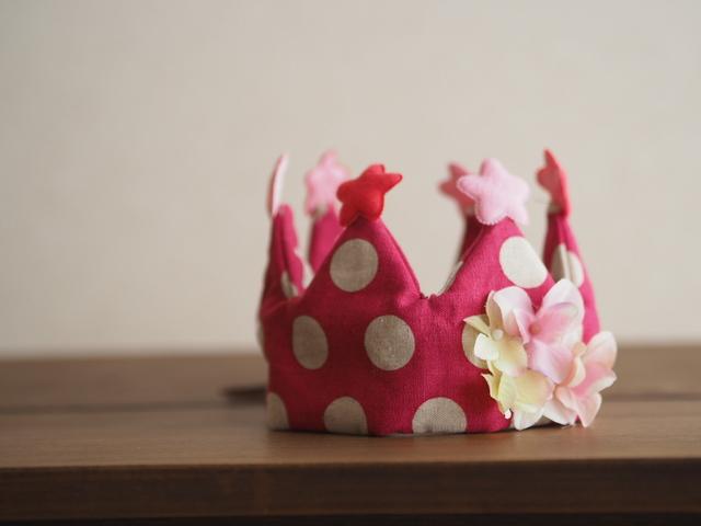 記念日に王冠ピンク◇赤ちゃんとキッズのためのアクセサリー