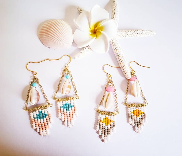 ♡pinkcoral×turquoise 貝殻とbohostyleなビーズ柄ピアス