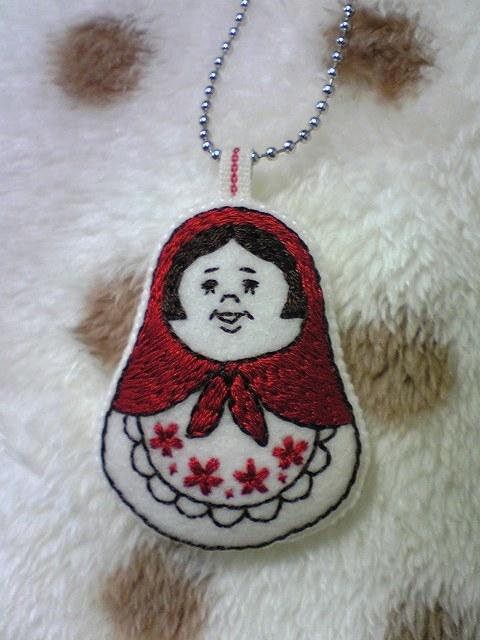 マトリョーシカ手刺繍のチャーム