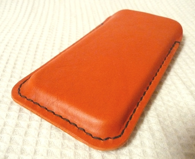 iPhone 5専用 立体的ケース ブッテーロ 手縫い