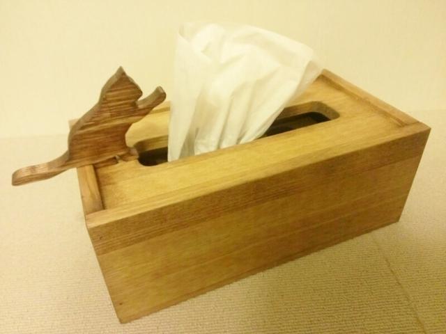 ☆受注製作☆猫が遊ぶ木製ティッシュケース☆ミディアムウォルナット