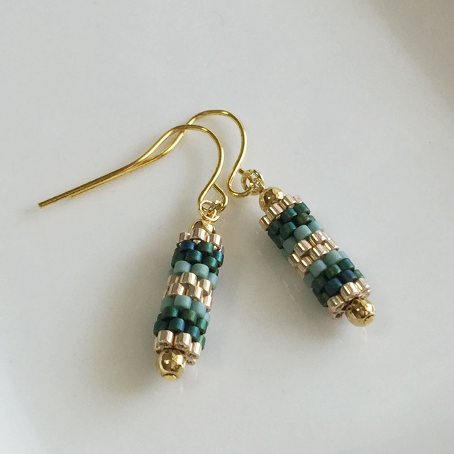 Tube beads earrings  Green 〜緑の揺れるチューブピアス