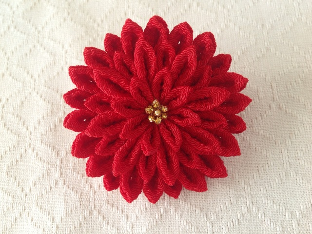 〈つまみ細工〉菊大輪の髪飾り(赤)