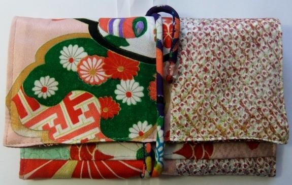 花柄の着物と絞りの羽織で作った和風財布 616