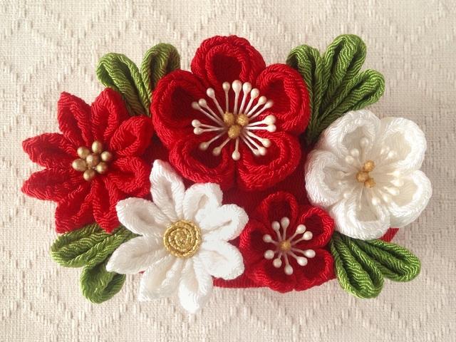 〈つまみ細工〉梅と小菊のバレッタ(赤と白)
