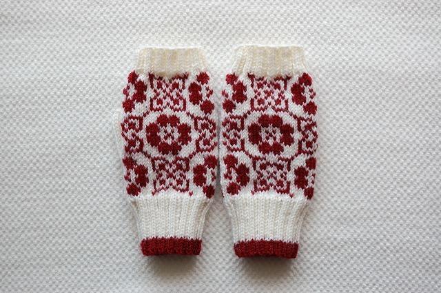 手編みの指なしミトン【野原】 オフホワイト×赤