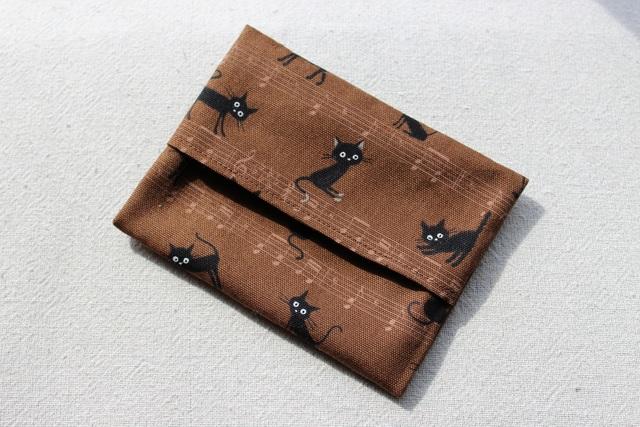 シンプルなポケットティッシュ・カバー(音符とねこ)