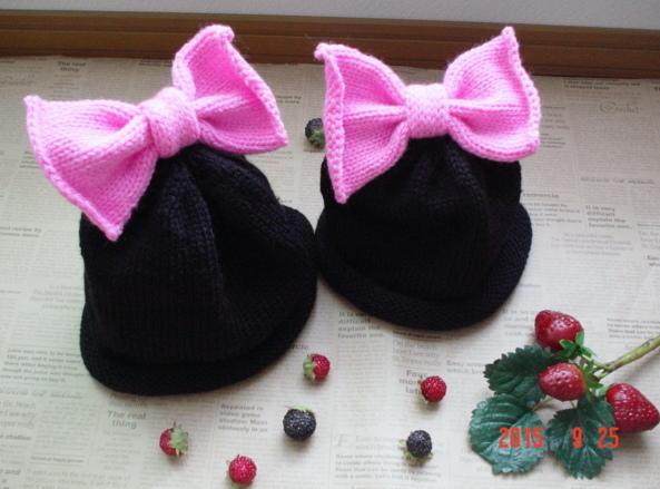 ☆彡親子deペアーの☆彡black&shockingpinkのリボン付knitcap