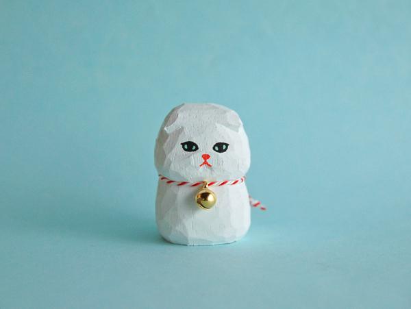 木彫り人形ネコ スコティッシュ 白 [MWF-118]