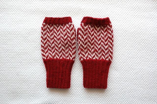 手編みの指なしミトン 赤×白 ヘリンボーン