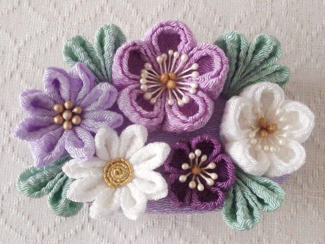 〈つまみ細工〉梅と小菊のバレッタ(紫系と白)