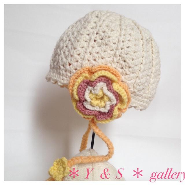 【受注製作】お花の耳当てニット帽 ホワイト