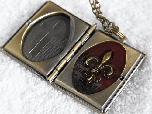 血染めの聖書ver2 百合紋章(難あり)