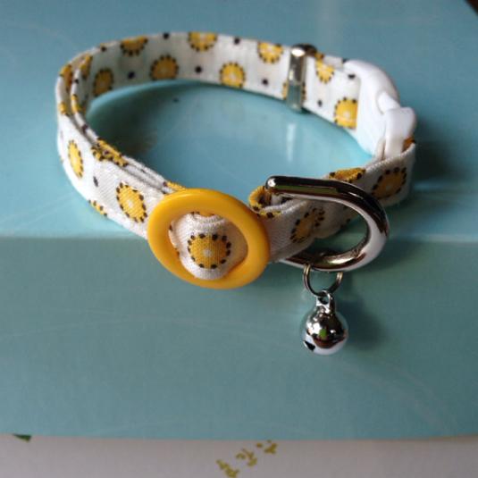 猫の首輪 黄色いドット 鈴あり